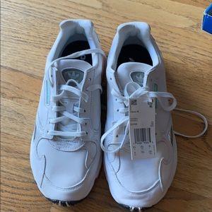 Adidas Women's Size 8 Flacon shoe NWT and Box